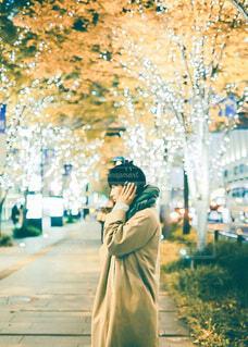 ファッション,風景,冬,屋外,大阪,コート,マフラー,手,道路,女の子,少女,光,樹木,イルミネーション,電気,人,笑顔,イベント,クリスマス,ヘッドホン,サンタ,ポートレート,少年,男の子,ニット,グランフロント,トナカイ,クリスマスイルミネーション,グランフロント大阪,アウター,PR,人間の顔,ファッションアクセサリー,グランフロントクリスマス,ジャパンゴールド