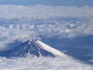 雪に覆われた富士山の写真・画像素材[3038355]
