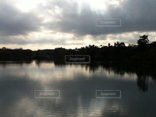 自然,風景,空,湖,雲,水面,日光,光,くもり