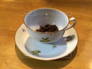 コーヒー,テーブル,皿,豆,マグカップ,食器,コーヒー カップ,磁器