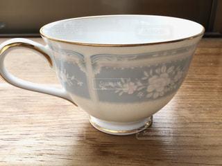 花柄のコーヒーカップの写真・画像素材[3111994]