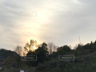 山と夕暮れの写真・画像素材[3394396]