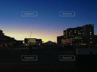 富士山と夕暮れの写真・画像素材[3394428]