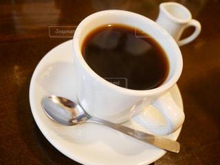 コーヒー,朝食,屋内,テーブル,スプーン,皿,マグカップ,食器,カップ,エスプレッソ,紅茶,ドリンク,コーヒー カップ