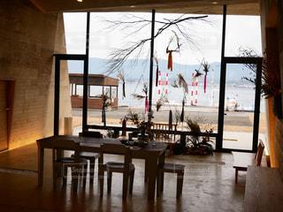 空,湖,アート,椅子,テーブル,床,家具,たくさん,コーヒー テーブル