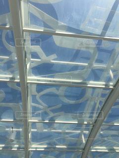 透明の屋根の写真・画像素材[3106660]