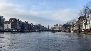 船,ヨーロッパ,旅行,オランダ,アムステルダム,海外旅行,一人旅,運河,クルーズ船,西洋建築,運河の街