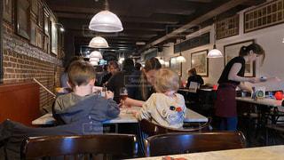 子ども,2人,パンケーキ,ヨーロッパ,子供,旅行,レストラン,オランダ,アムステルダム,海外旅行,スイーツ店