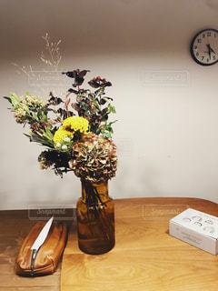 家族,花,屋内,花束,花瓶,時計,ブーケ,観葉植物,草木,花のある暮らし