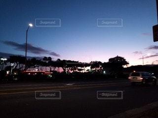 空,夜,道路,高速道路,樹木,道,明るい,通り,交通