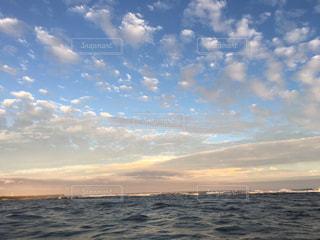 海,空,屋外,雲,夕暮れ,水面,日中