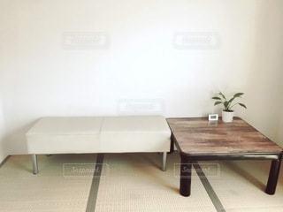 木製のテーブルの写真・画像素材[3305326]