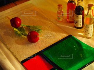 食べ物,屋内,テーブル,果物,ボトル,ドリンク