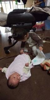 女性,子ども,2人,屋内,人,赤ちゃん,幼児