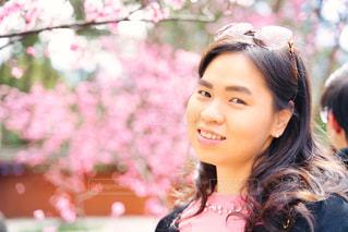 女性,1人,風景,花,桜,屋外,少女,お花見,人,笑顔,さくら,桜満開,肖像画