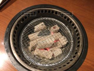 食事,テーブル,炎,火,焼肉,炭火焼き,炭,七輪,網焼き,あみ