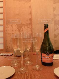 友だち,飲み物,人物,イベント,ワイン,ボトル,グラス,乾杯,ドリンク,パーティー,アルコール,手元