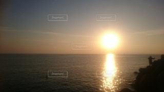 海に沈む夕日の写真・画像素材[3061107]