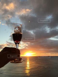 飲み物,空,人物,イベント,ワイン,グラス,カクテル,ハワイ,Hawaii,乾杯,sunset,ドリンク,パーティー,ワイキキ,サンセット,手元