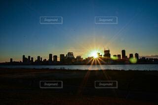 空,建物,大阪,太陽,朝日,高層ビル,正月,お正月,日の出,新年,初日の出,ビル群
