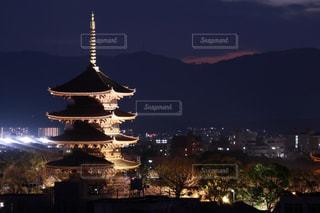 建物,夜,夜景,京都,世界遺産,日没,五重塔,ライトアップ,旅行,東寺,寺院