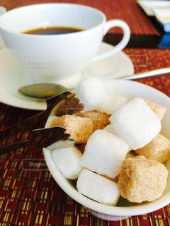 コーヒーと角砂糖の写真・画像素材[260312]