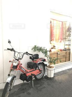 赤いバイクの写真・画像素材[533550]