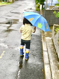 雨,傘,屋外,水たまり,子供,長靴,梅雨