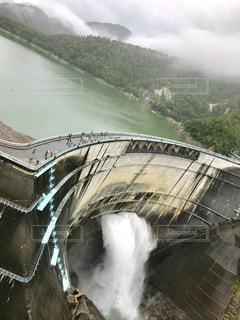 ダムの放流の写真・画像素材[1455406]