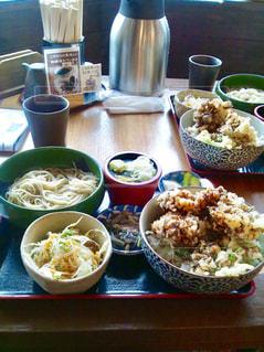 草津で食べた大きな舞茸天ぷらの天丼とお蕎麦。の写真・画像素材[1462970]
