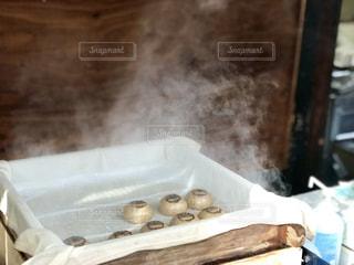 深大寺のお饅頭。温かそうだ。の写真・画像素材[1758180]