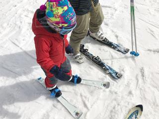 ちゃんとスキーが履けたかな?の写真・画像素材[1822222]