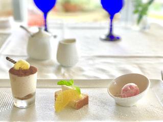 湘南、七里ヶ浜のレストランでコース料理の最後に頂いたスイーツ達です。の写真・画像素材[1882677]