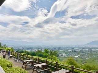 甲州勝沼のぶどうの丘からの眺めの写真・画像素材[2412650]