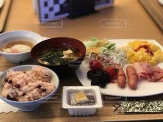 温泉宿の朝食バイキングの写真・画像素材[2482741]