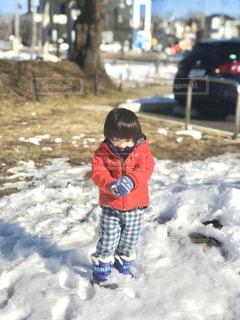 ポカポカ手袋で雪遊びもヘッチャラの写真・画像素材[2996976]