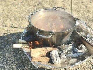 キャンプで作った熱々ビーフシチューですの写真・画像素材[4190088]