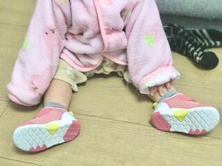 生まれてはじめての靴、、、ギャン泣きでしたの写真・画像素材[4194871]