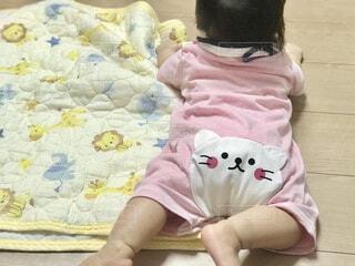 ピンクの赤ちゃん服の写真・画像素材[4232432]