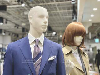 スーツを着たマネキンの写真・画像素材[4238191]