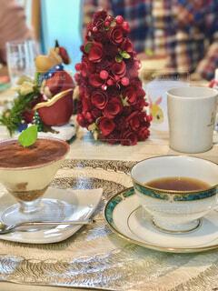 おうちカフェで、コーヒーと手作りデザートの写真・画像素材[4290007]