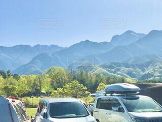 南アルプスの山々に遅い春が来たようです。の写真・画像素材[4292910]