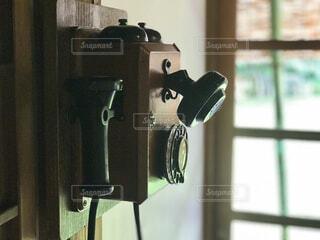 レトロな電話の影の写真・画像素材[4415031]