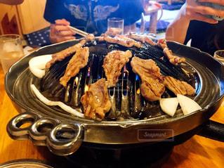 食べ物,食事,ディナー,屋内,人,煙,レストラン,肉,料理,焼肉,美味しい,鉄板,ジンギスカン,男飯