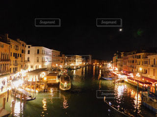 海,夜,夜景,ボート,綺麗,船,水面,旅行,港,イタリア,ヴェネチア,卒業旅行