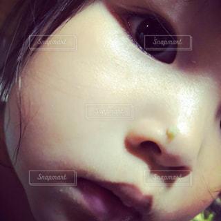 女の子,幼児,鼻,鼻くそ,ドアップ