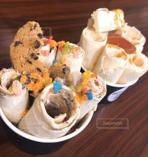 グアムおしゃれなくるくるアイスクリームの写真・画像素材[3102772]