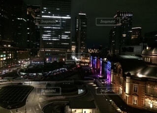 東京駅のライトアップの写真・画像素材[4083683]