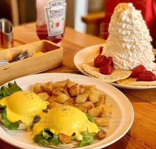 おしゃれな朝食の写真・画像素材[4114198]
