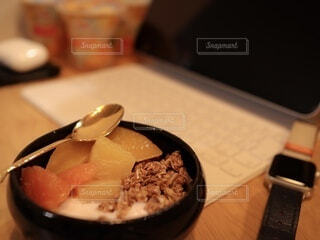 食べ物,屋内,デザート,フルーツ,スプーン,食器